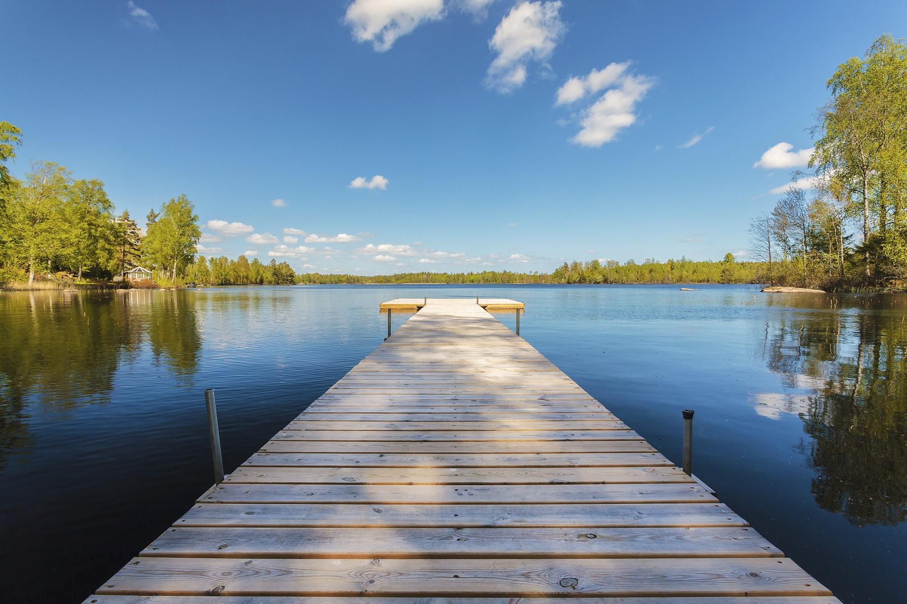 sunny lake day